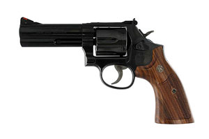 150909 Model 586 Distinguished Combat Magnum